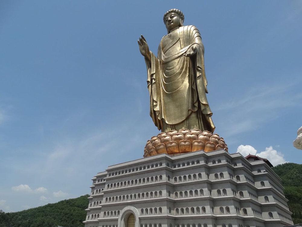 Весенний храм Будды