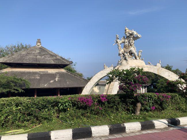 Uluwatu Temple – сад